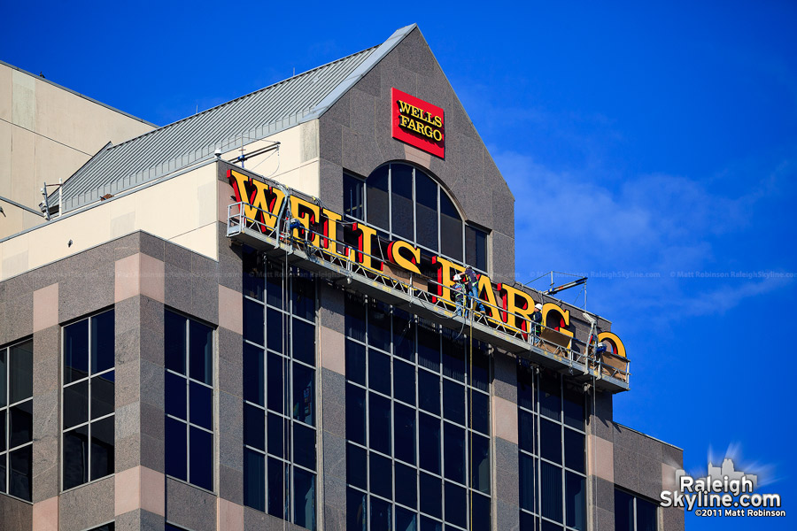 Atlas Sign Industries installs Wells Fargo letters atop Raleigh - Ground View