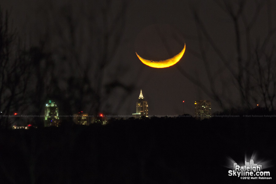 Moon sets over the Raleigh Skyline from 11 miles out