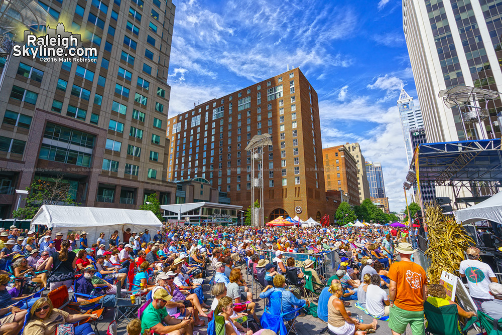 Crowds at IBMA World of Bluegrass 2016 in Downtown Raleigh